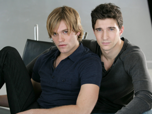 Luke (Van Hansis) and Noah (Jake Silbermann)